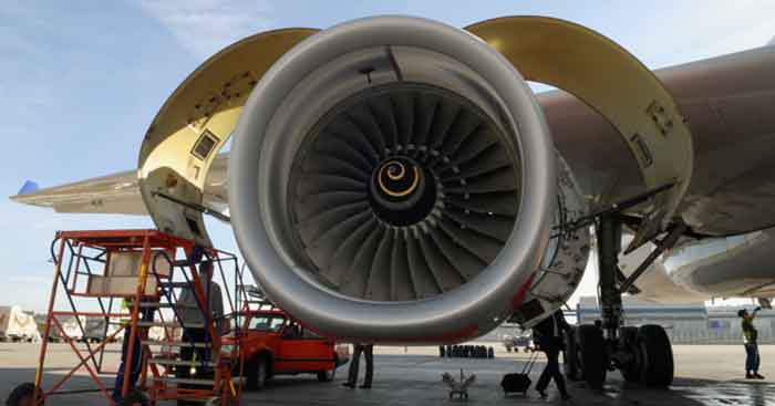 jet engine with cowling open